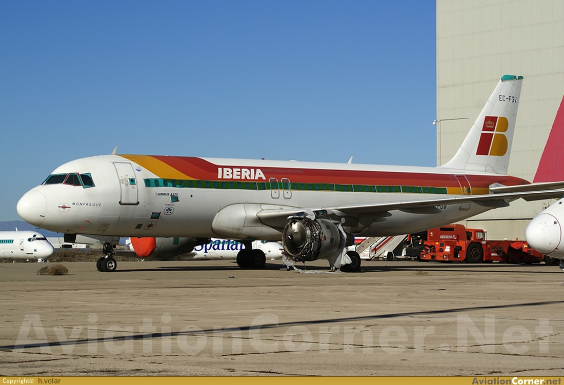 Aircraft photography airbus a320 211 for Oficinas iberia express