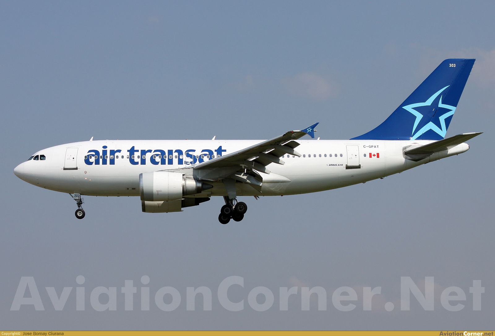 Www crash aerien aero fiabilit a310 air transat for Interieur avion air canada