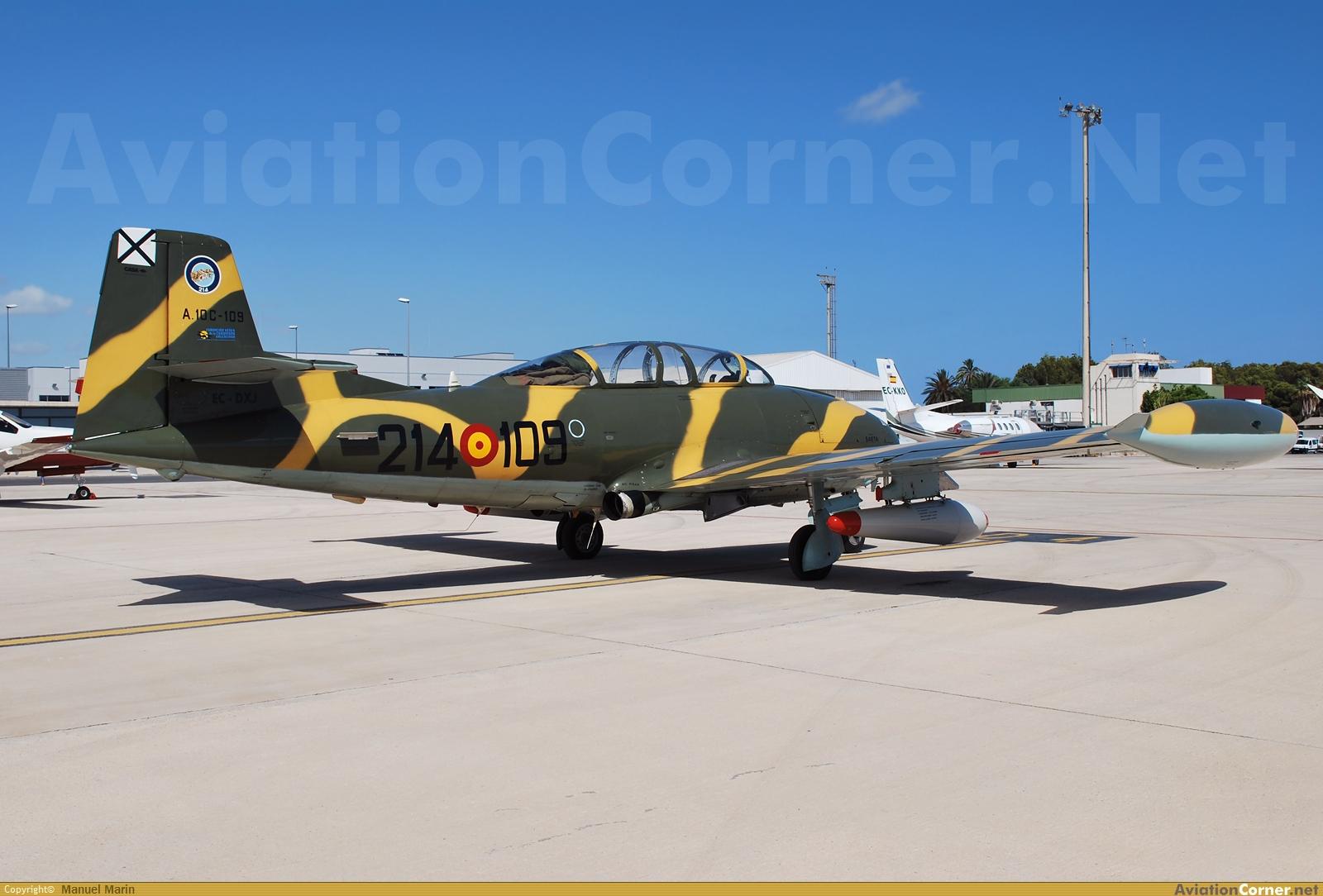 HA-220 Super Saeta - Special Hobby 1/72 Avc_00171454