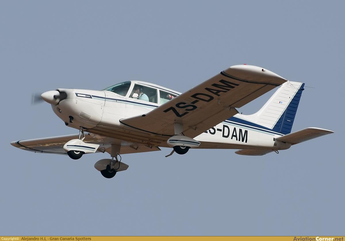 AviationCorner net - Aircraft photography - Piper PA-28-235