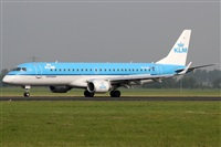 �Rub�n Gil - Noisy Spotters. Click to see full size photo
